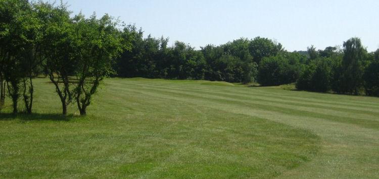 Oaks Sports Centre Golf Club