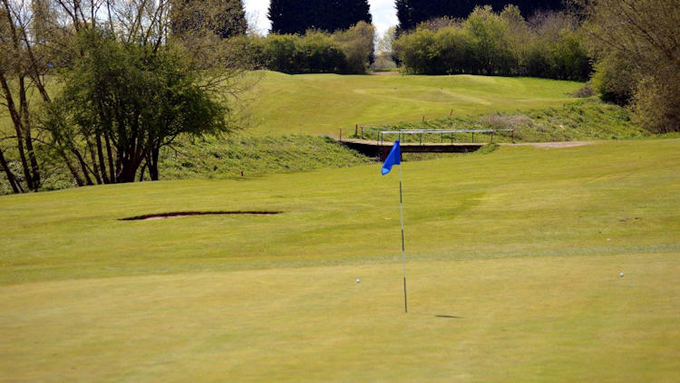 Ravenmeadow Golf Club